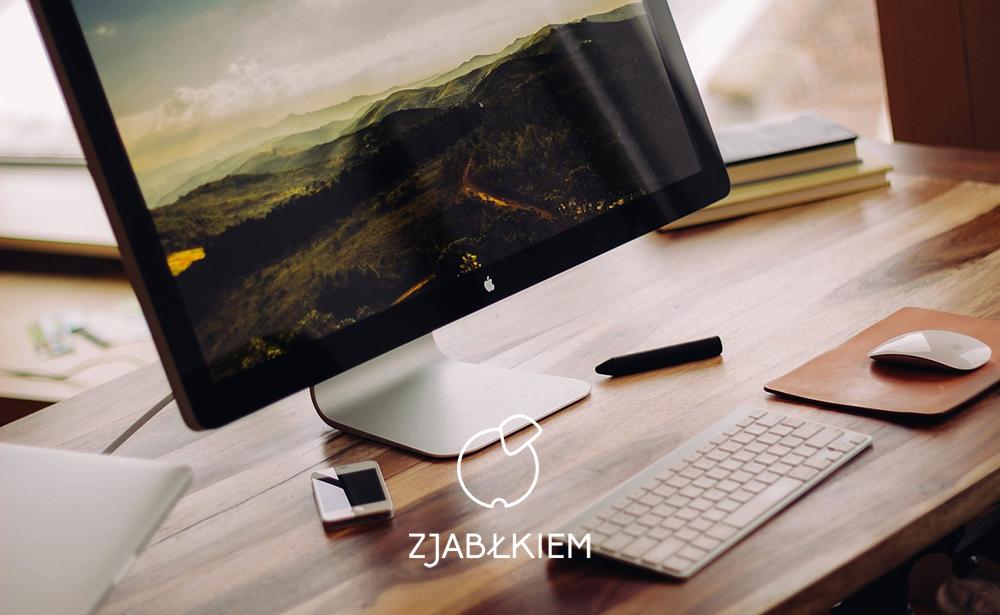 biurko apple akcesoria